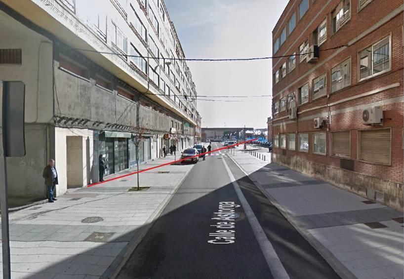 Ubicación de la parada en la calle Astorga, a 200 metros de la Estación.