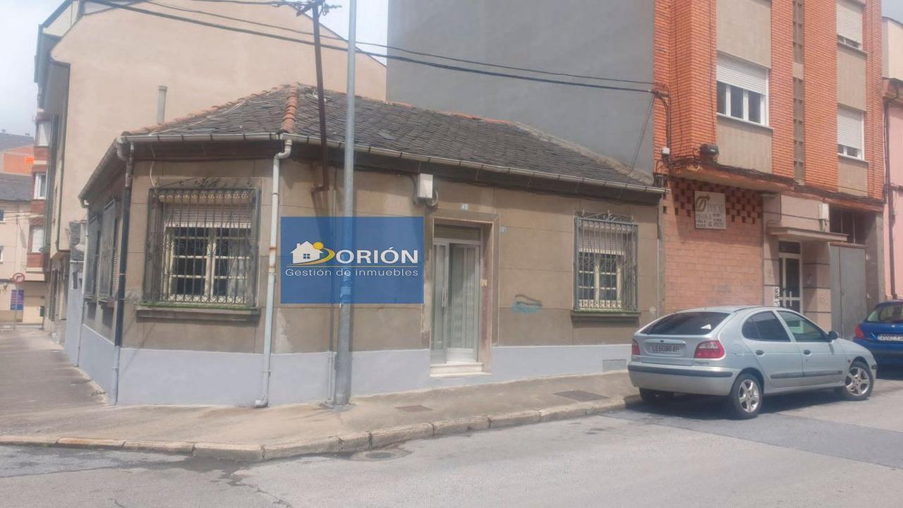 SE VENDE CASA CON PATIO EN BARRIO DE LOS JUDIOS - PONFERRADA (LEÓN)
